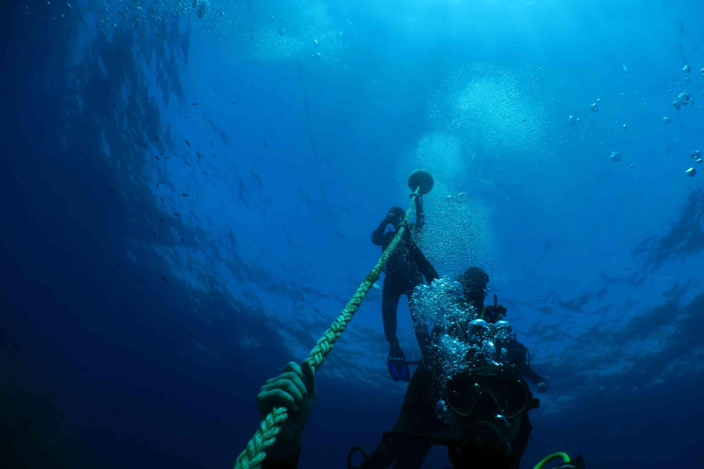Plongeurs à la corde